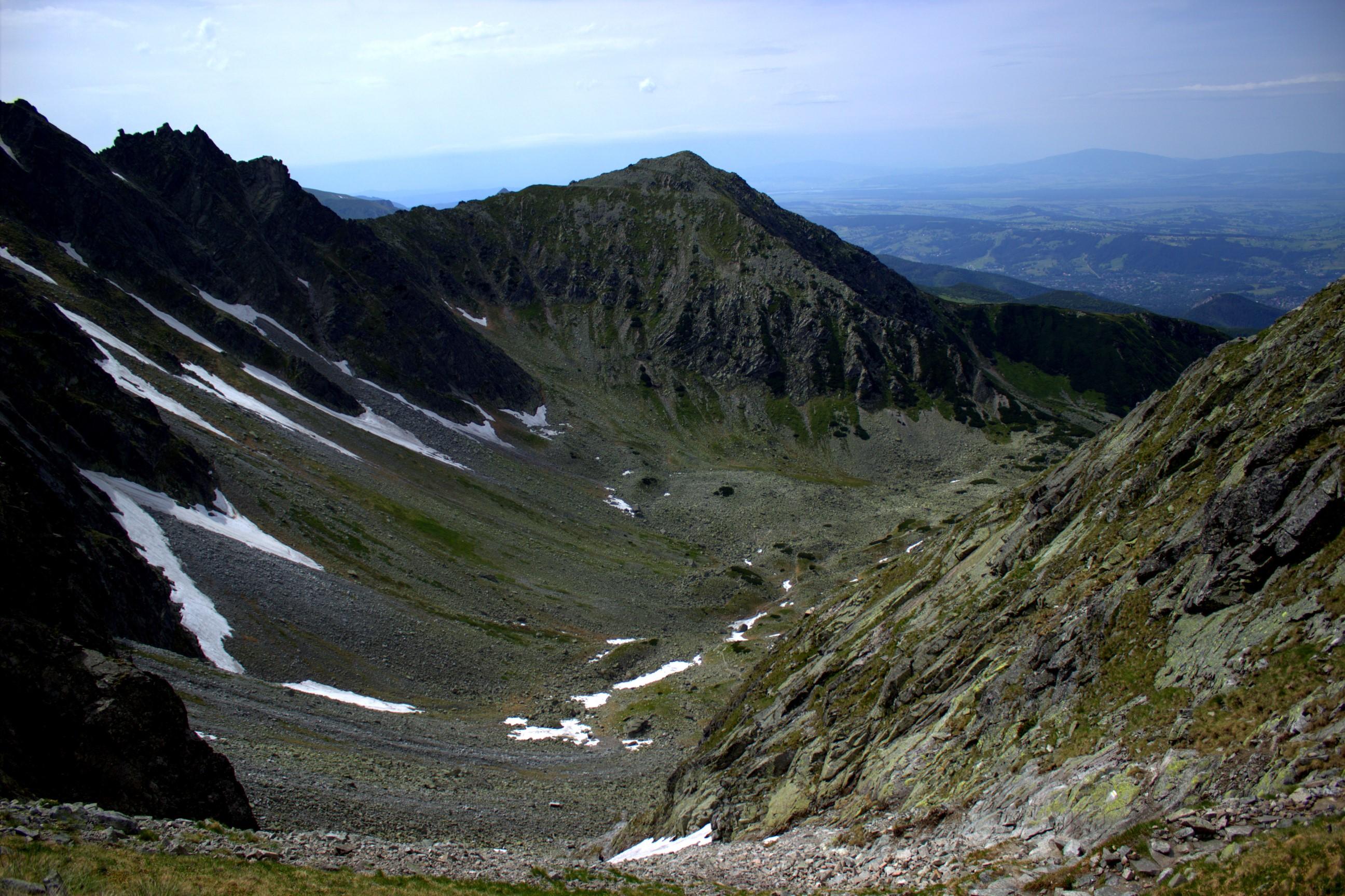 Widok z Przełęczy Krzyżne na Dolinę Pańszczycy