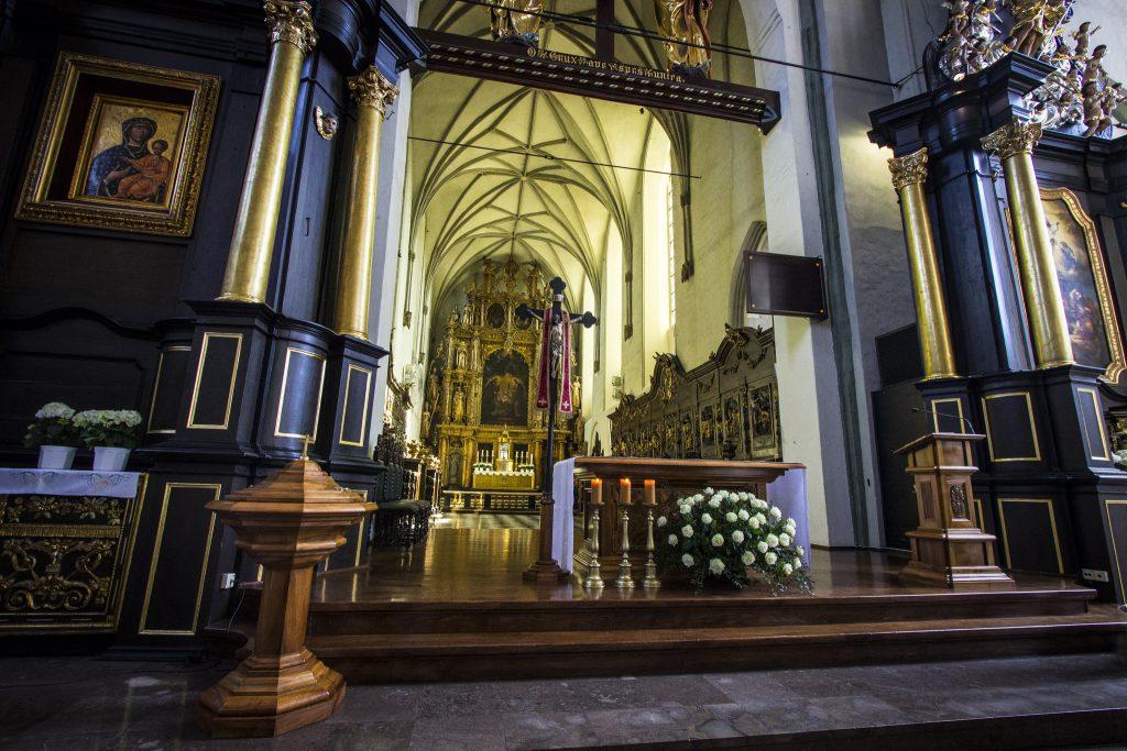 Ołtarz w kościele Św. Mikołaja