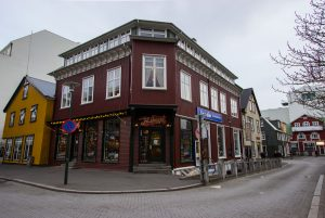 Ulica Laugavegur w Reykjaviku