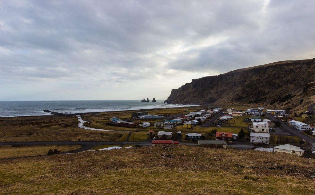 Vík í Mýrdal, Reynisdrangar