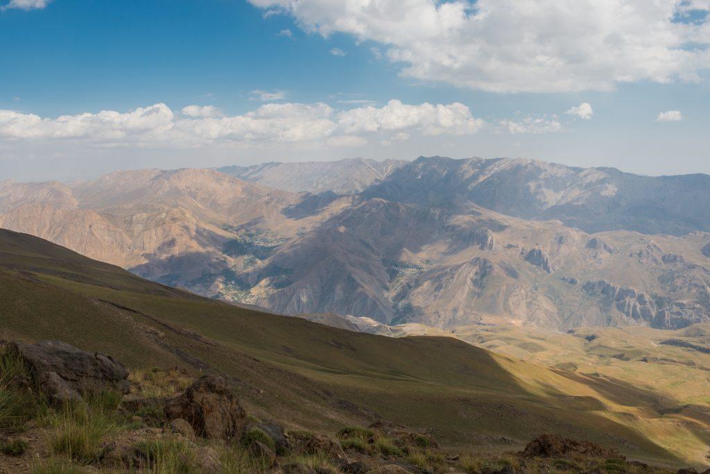 Widoki z Base 3 (4250 m n.p.m.) - ostatniego schroniska przed szczytem