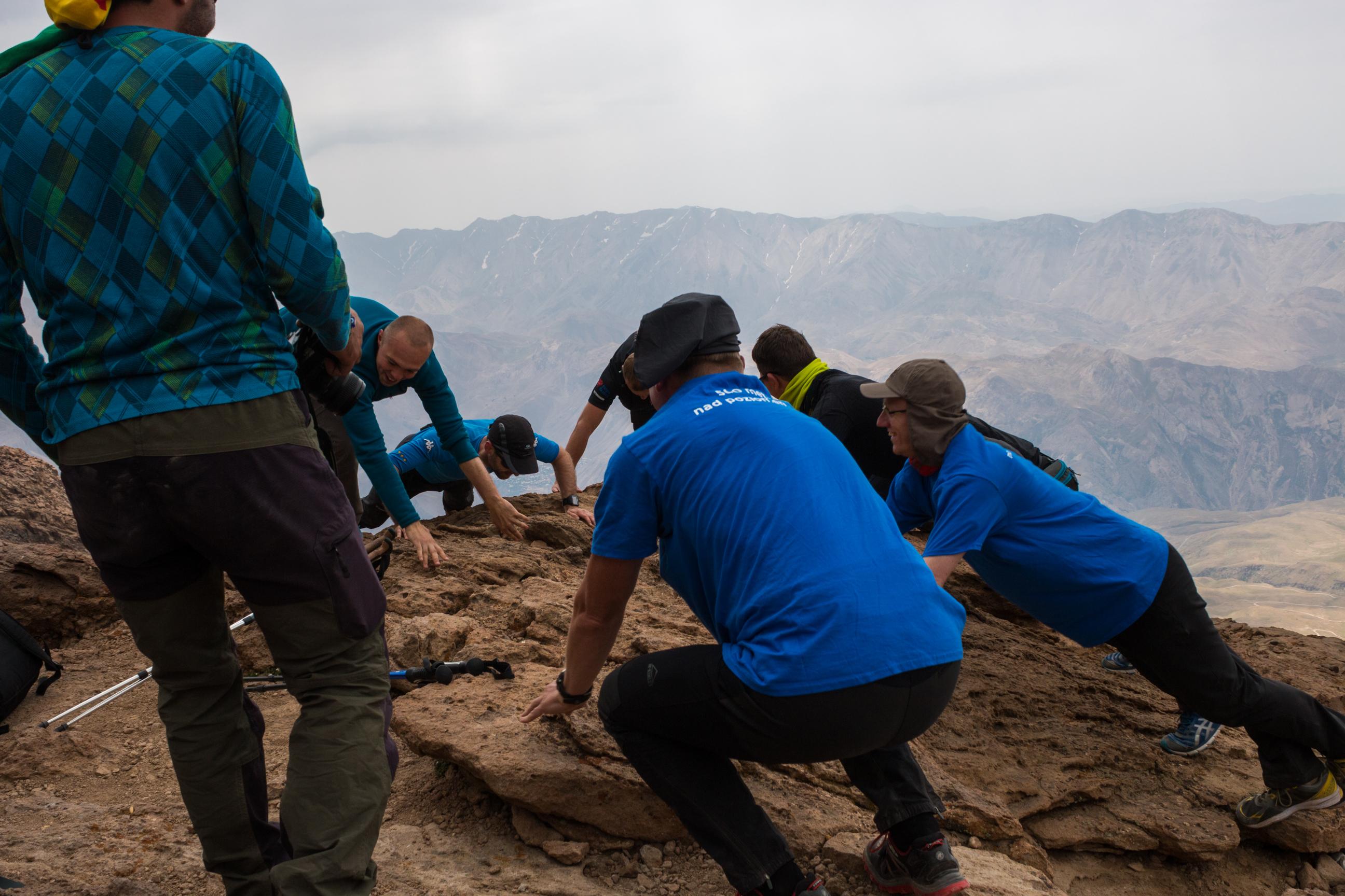12 pompek na wysokości 4500 m n.p.m., to JEST wyczyn! :)