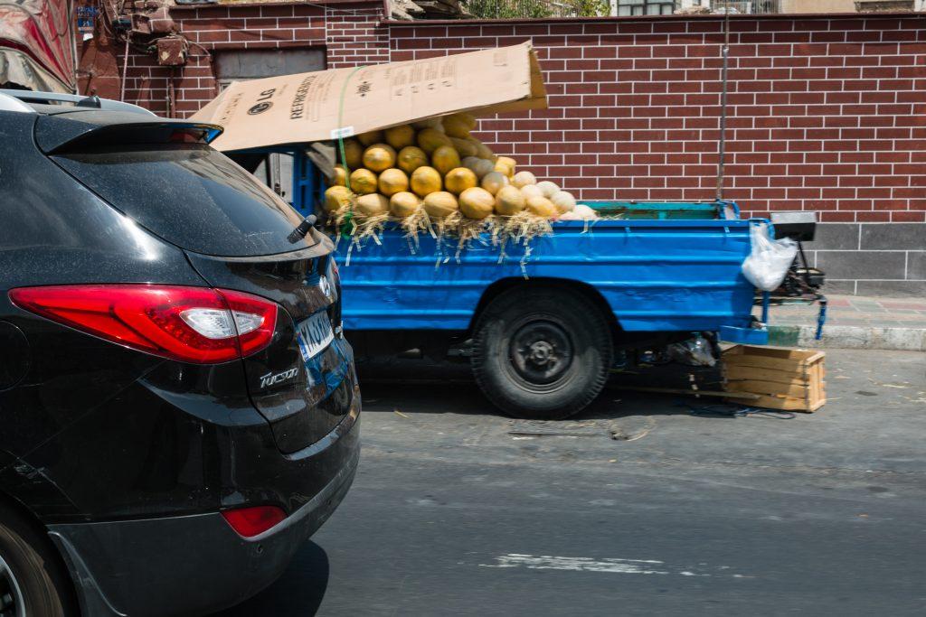 W Iranie samochód służy nie tylko do transportu.