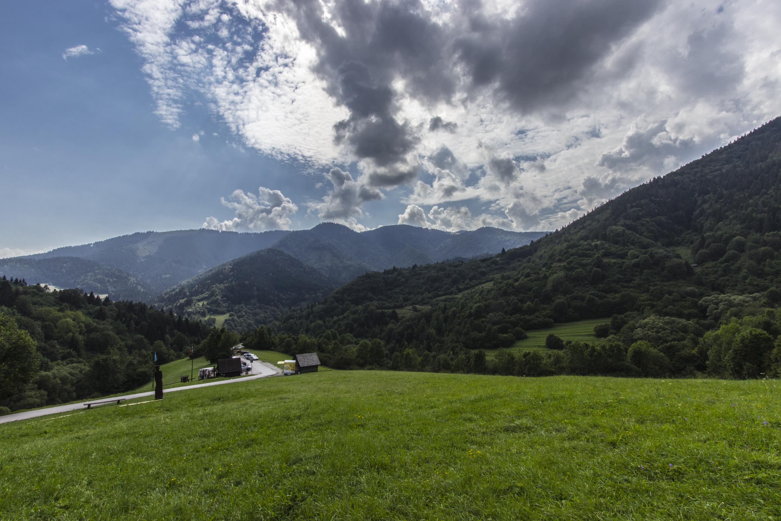 Widoki rozciągające się z wsi Vlkolinec
