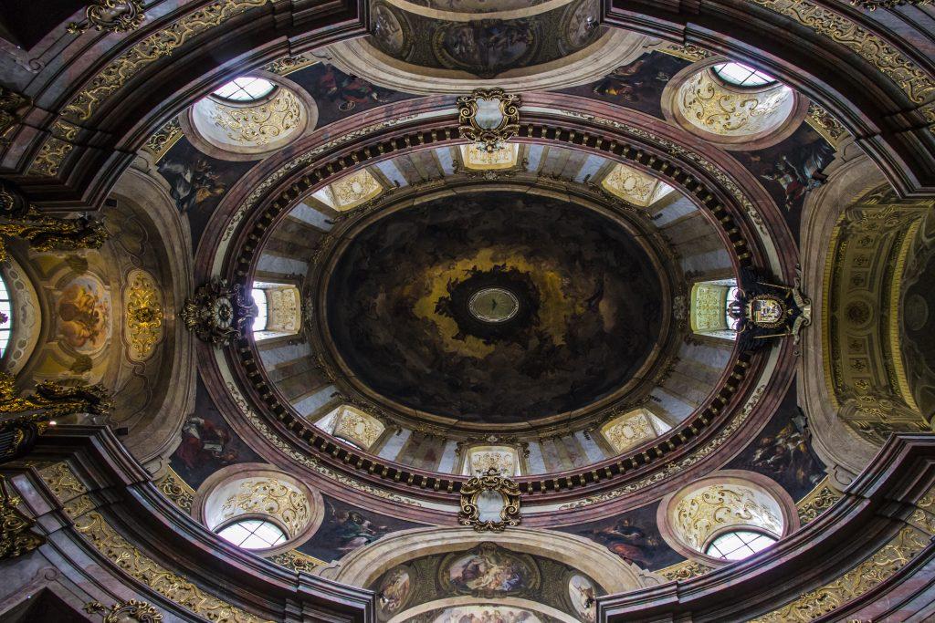 We wnętrzu kościoła św. Piotra, Wiedeń