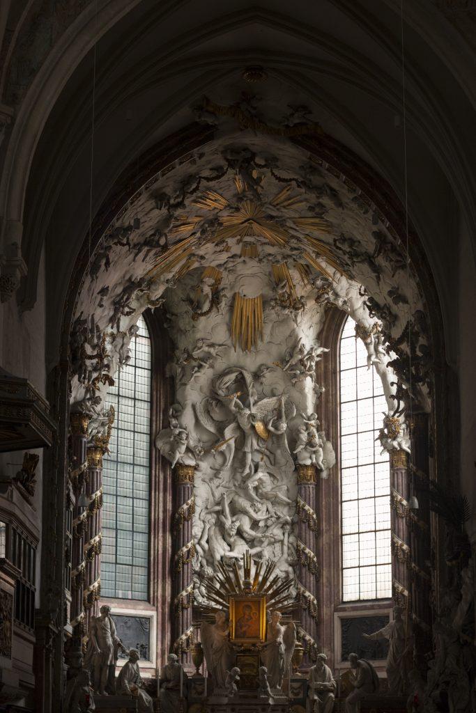przepiękny ołtarz w kościele św. Michała, Wiedeń