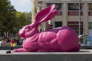 Różowy królik w centrum Wiednia