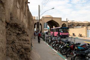 Motocykle to chyba najbardziej popularny środek transportu w Iranie.