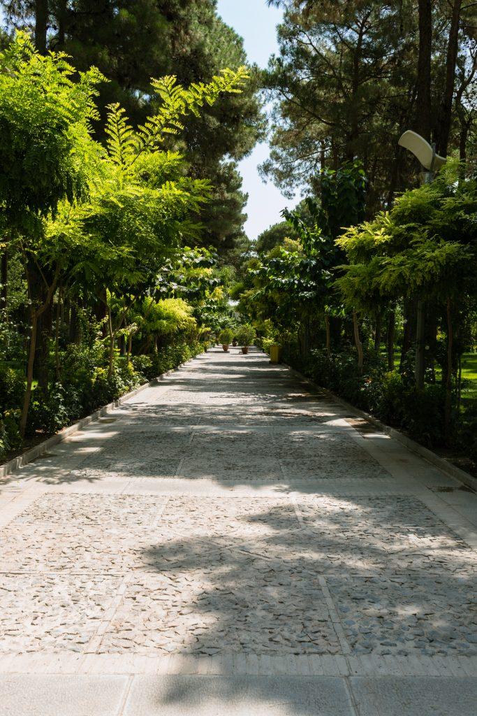 Ogrody wokół pałacu Chehel Sotoun.