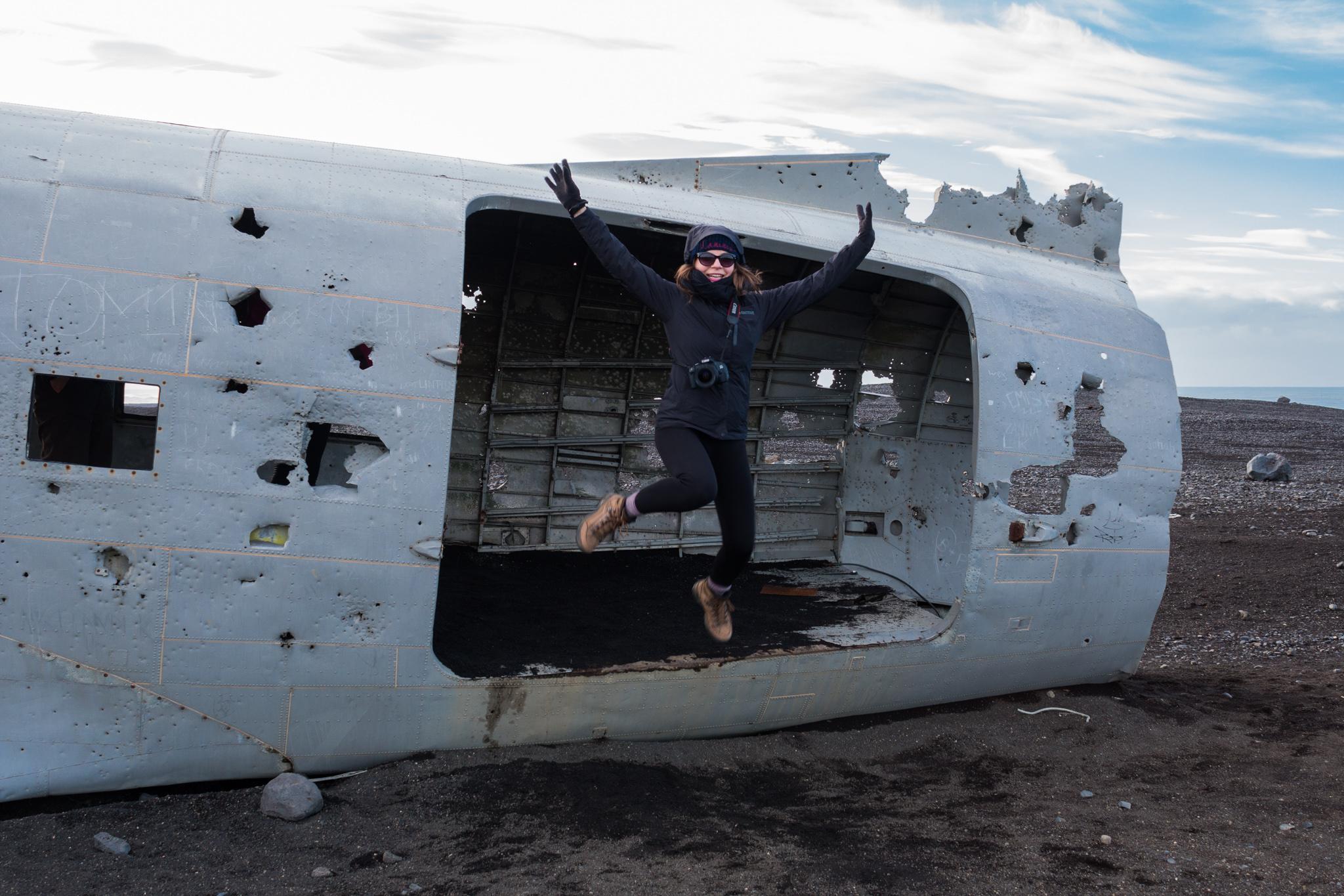Samolot Dakota na Islandii. Awaryjne lądowanie i skok prawie ze spadochronem. :D