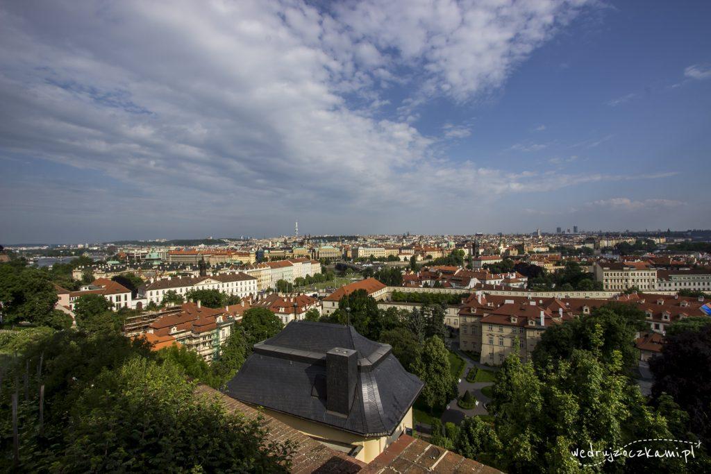Widok z Zamku Praskiego na miasto