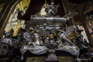 Grób św. Jana Nepomucena w Katerze św. Wita