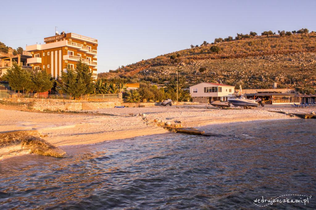 Plaża przy hotelu Mucobega
