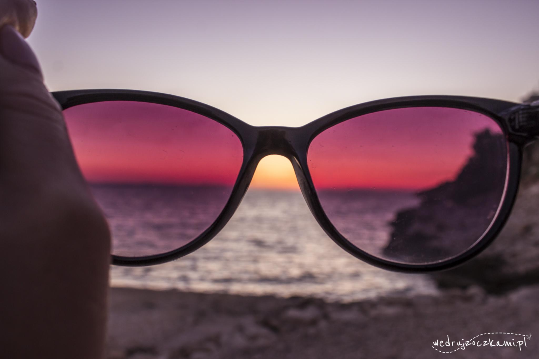 Patrząc na świat przez różowe okulary ;)