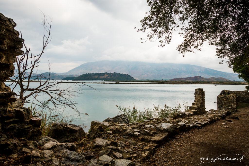 Widok na jezioro Butrinti