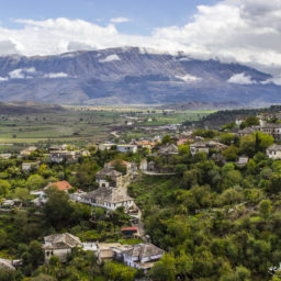 Gjirokastra – najładniejsze miasto w Albanii