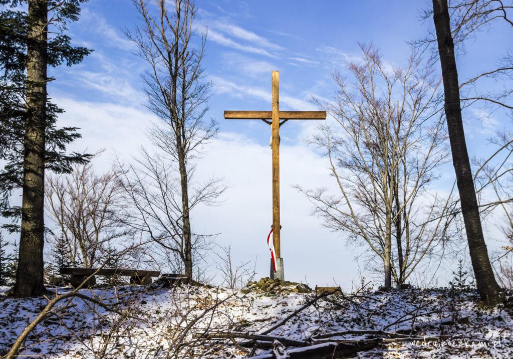 Krzyż górujący nad Myślenicami
