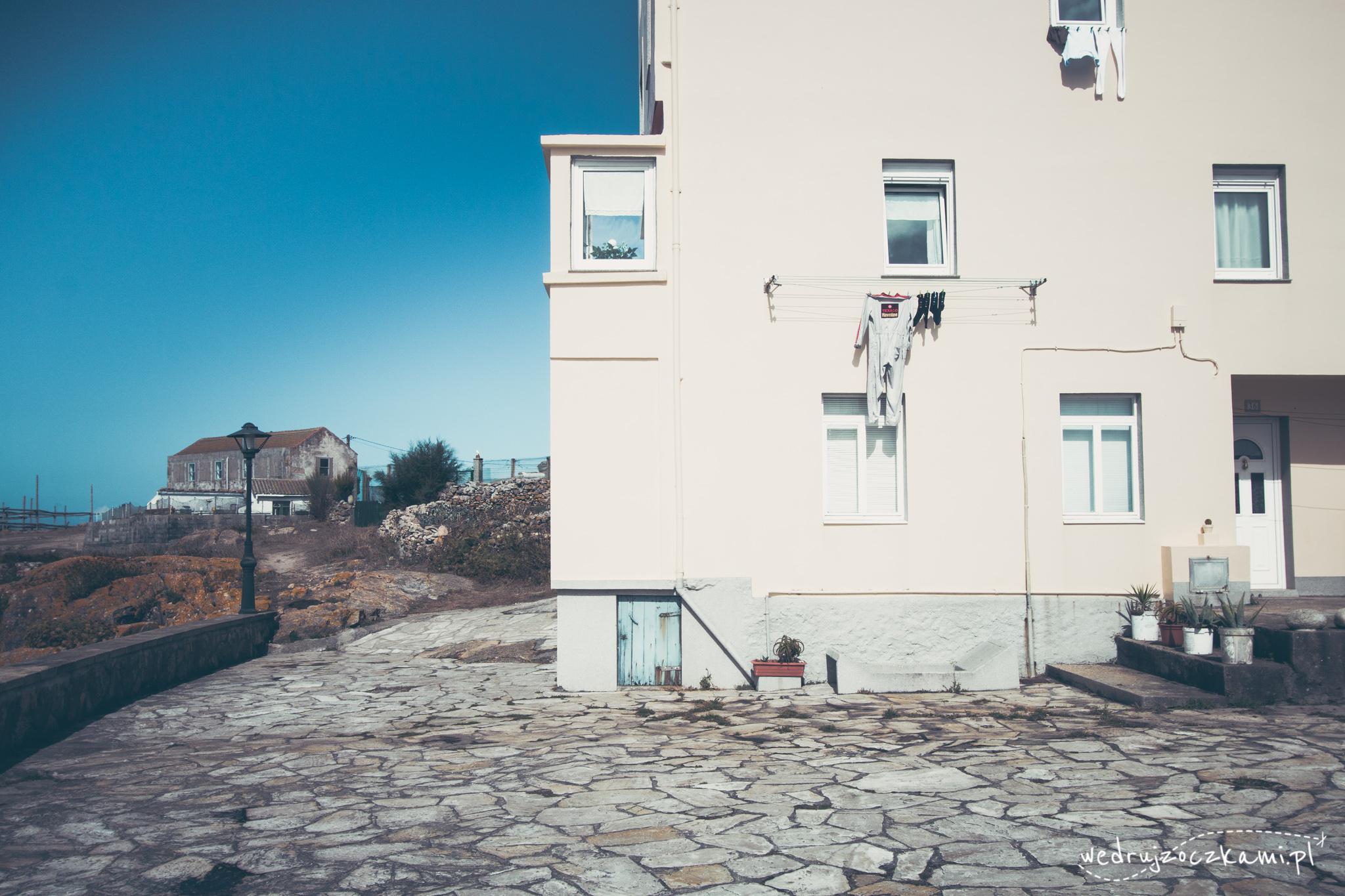 Porozwieszanie pranie w Hiszpanii